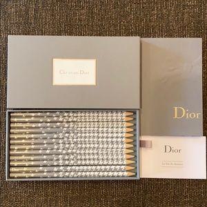 Christian Dior Le kit de dessins- brand new